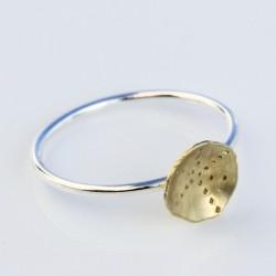 Sølvring med skål i guld